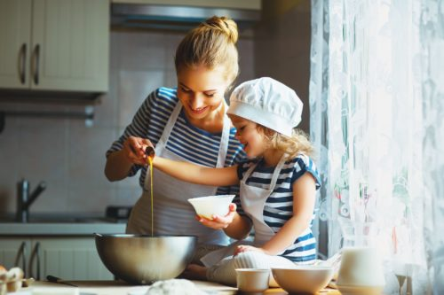 Mother-and-Daughter-Baking-500x333 The Ultimate Summer Holiday Survival Guide